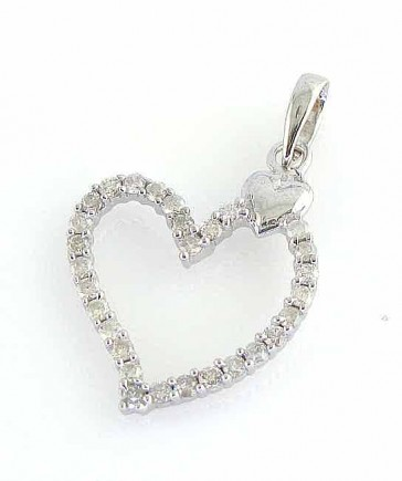 Round Cut Diamond 0.70ct VS 18K gold Heart Pendant Necklace